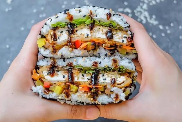 Aprende a preparar un delicioso sándwich de sushi