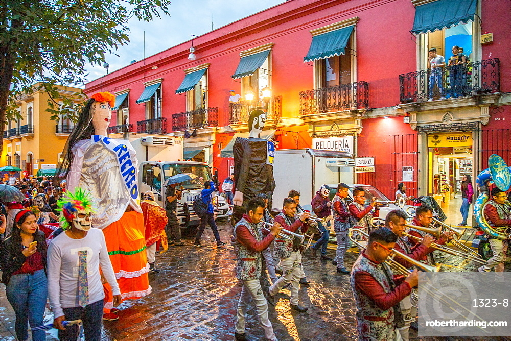 Los 7 destinos más hermosos y espectaculares para celebrar el Día de Muertos  en México