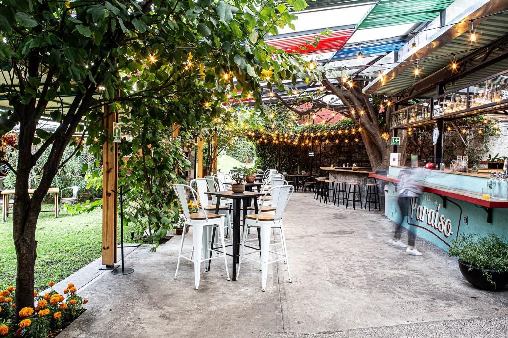 8 jardines cerveceros en la CDMX para una tarde 'relax' al aire libre