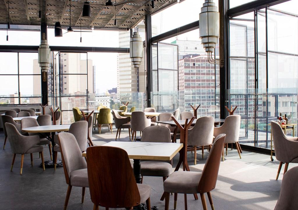 8 preciosas terrazas techadas en la CDMX para comer a gusto aunque llueva
