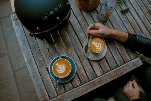 toa-heftiba-unsplash. cafe