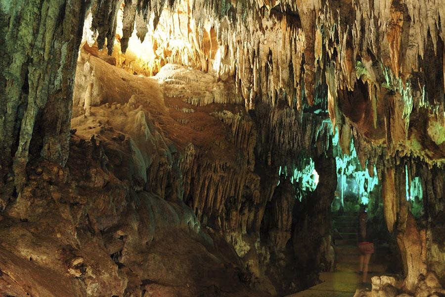 5 espectaculares grutas que puedes visitar cerca de la CDMX (todas a menos de 4 horas)