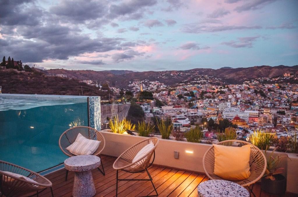 Este alojamiento ofrece la mejor vista de Guanajuato desde su increíble alberca