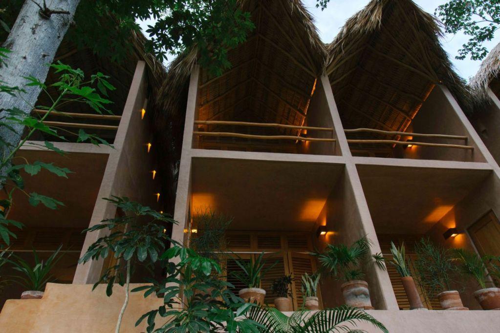 Este hotel boutique de Oaxaca te hará sentir como en una casa del árbol frente al mar