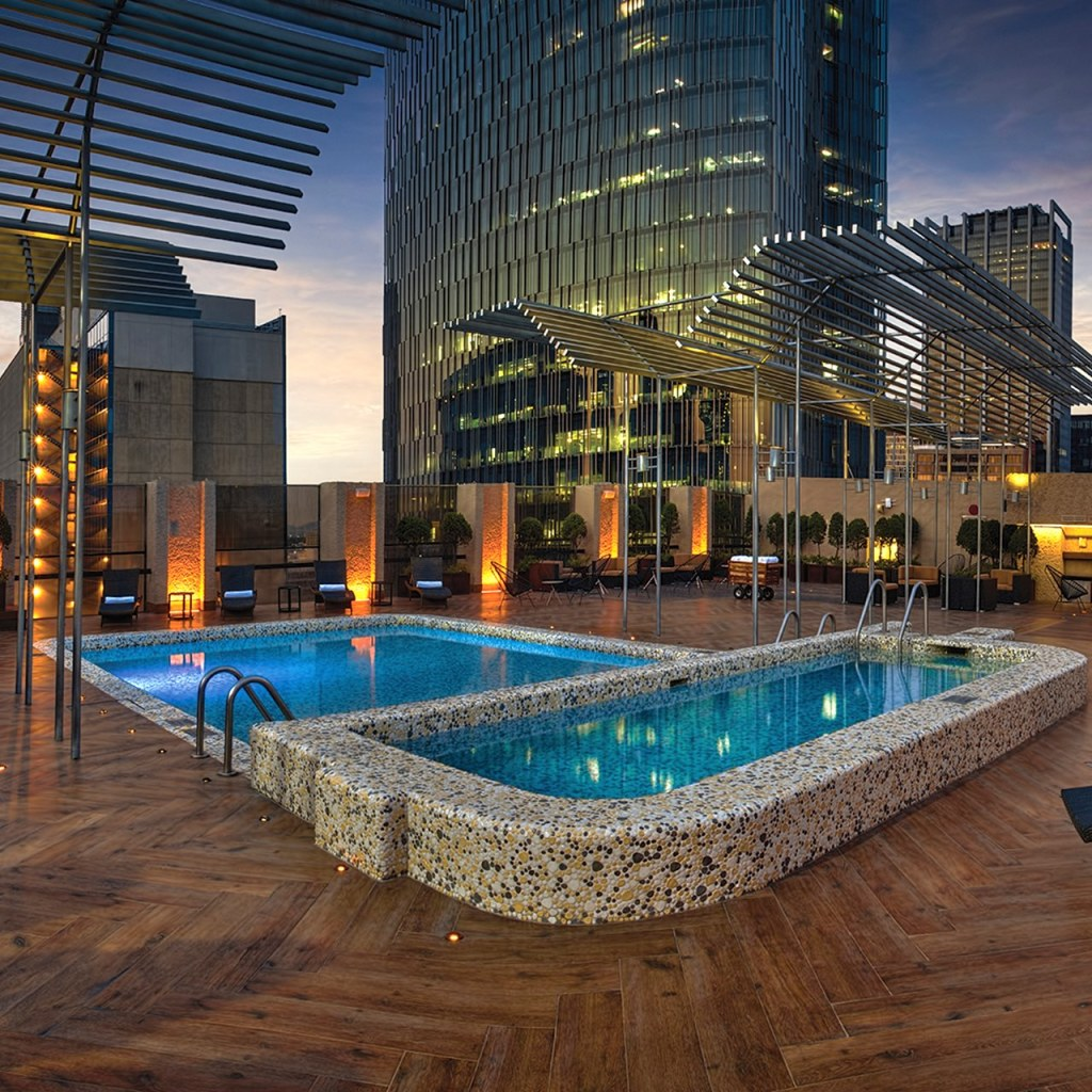 5 hoteles con las más increíbles 'rooftop pools' en la CDMX
