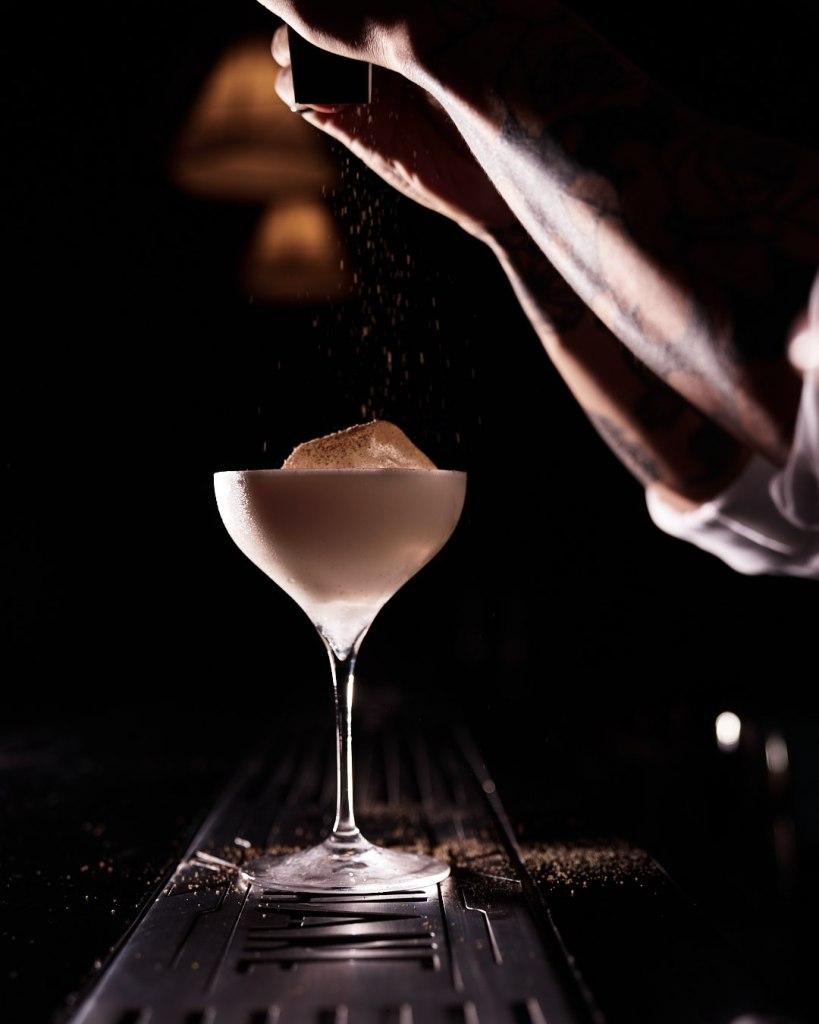 En este 'speakeasy' de la CDMX (al que todos quieren ir) puedes pedir un Martini idéntico al Vesper de James Bond