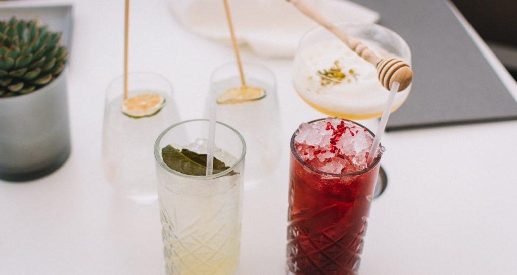 5 recetas de cocteles perfectos para celebrar el 15 de septiembre en casa