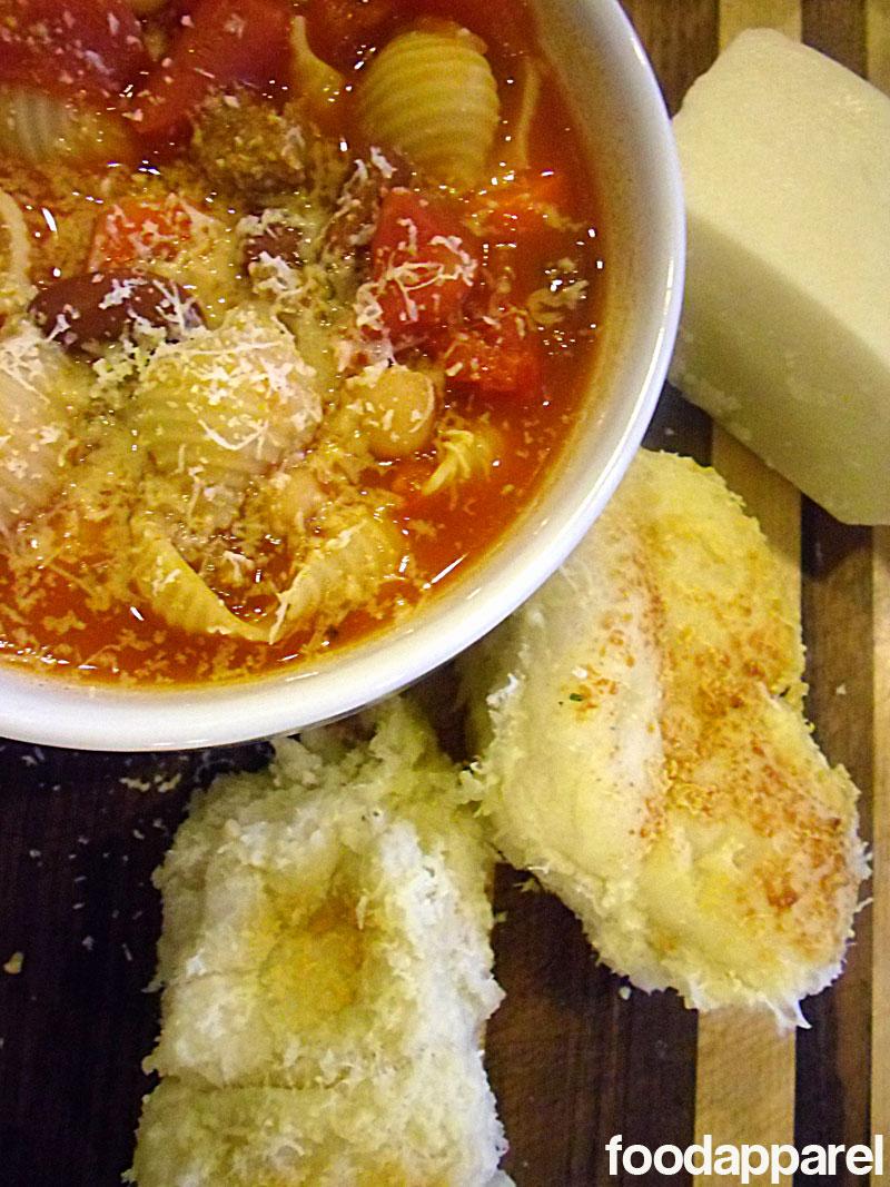 Pasta e Fagioli at FoodApparel.com