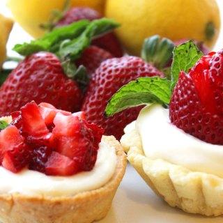 Lemon Strawberry Shortcake Cup at FoodApparel.com (@driscollsberry #StrawShortcake)