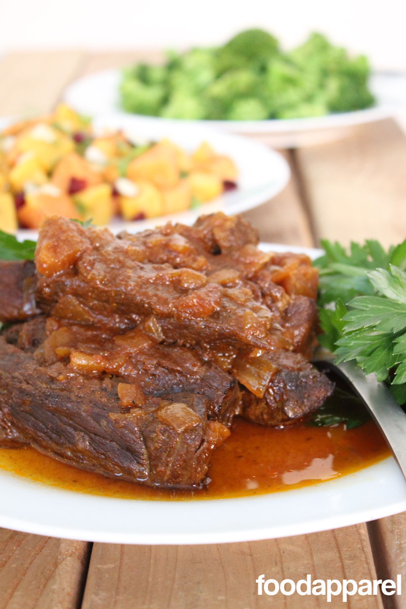 Crockpot Pork or Beef Ribs - just your standard comfort food with such little effort. These are a fabulous find! #recipe @FoodApparel