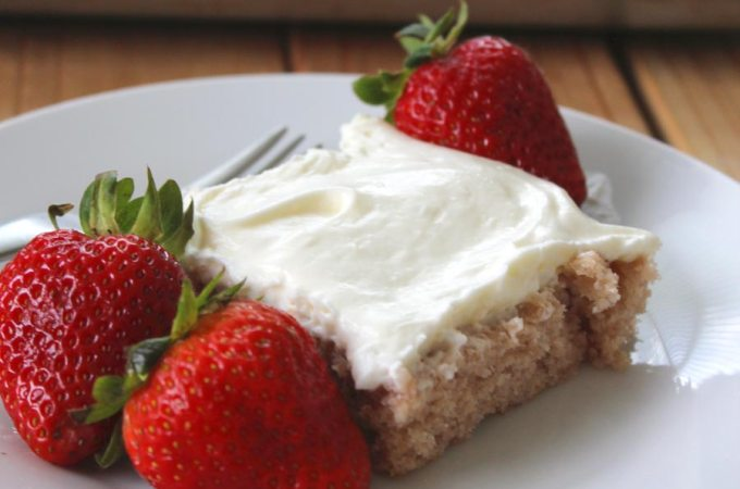 Easy Strawberry Sheetcake with Whipped Frosting Recipe