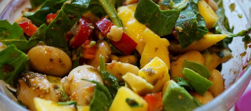 Butterbean salat med Tangpesto og mango