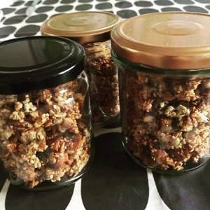 granola med peanut butter og kokos