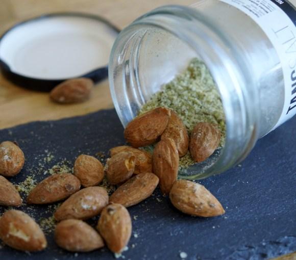 Saltet mandler med tangsalt