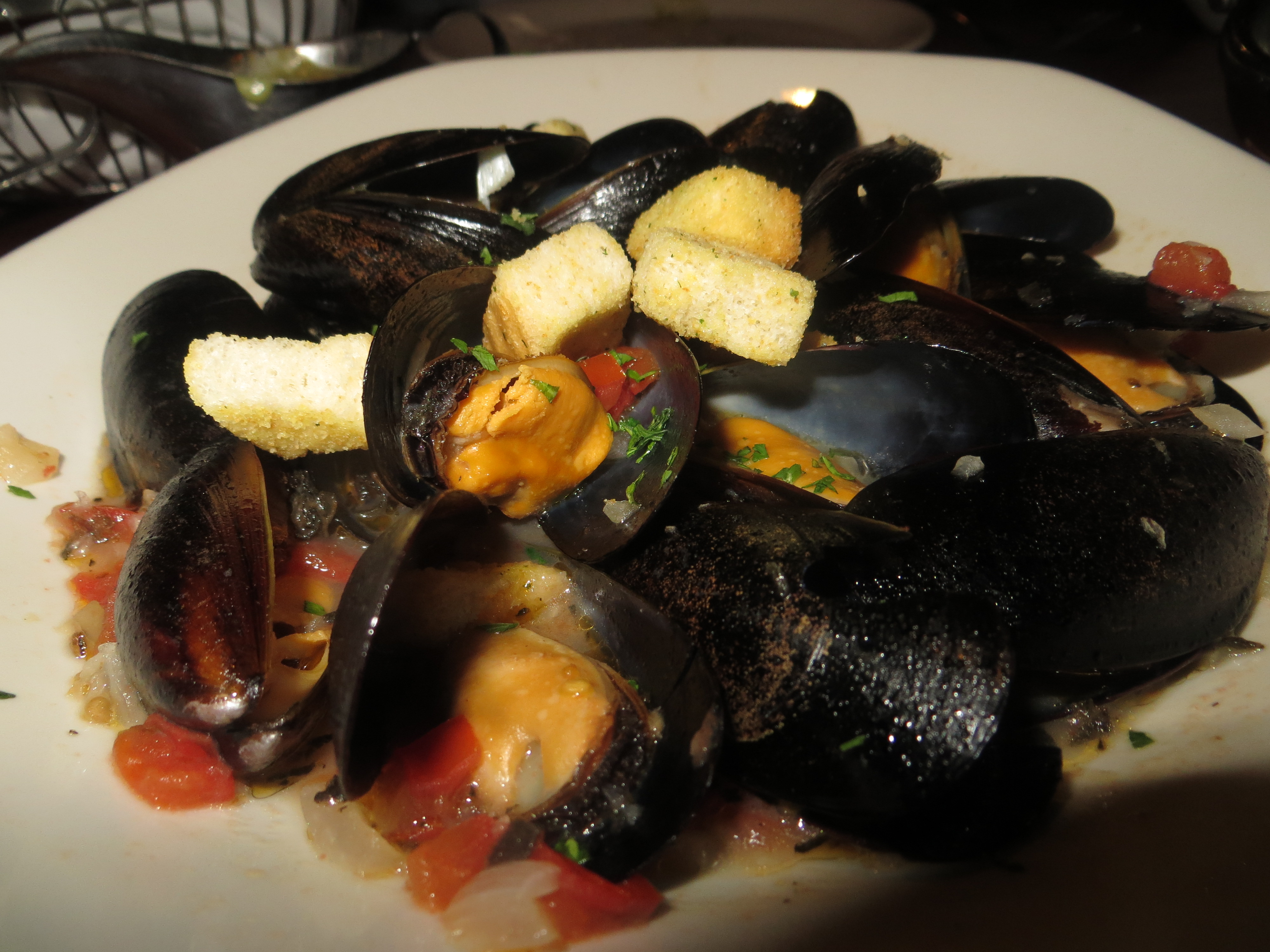 Fred's House Seafood Market & Grill mussels