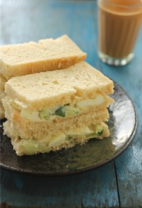 Cucumber egg sandwich