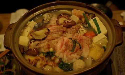 美味しいちゃんこ鍋を作るには具材をどんな順番で入れるといい?