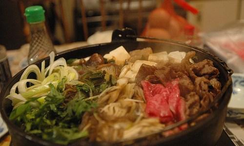 豚肉のすき焼きを作ろう! スーパーでお肉はどの部位を買えばいい?