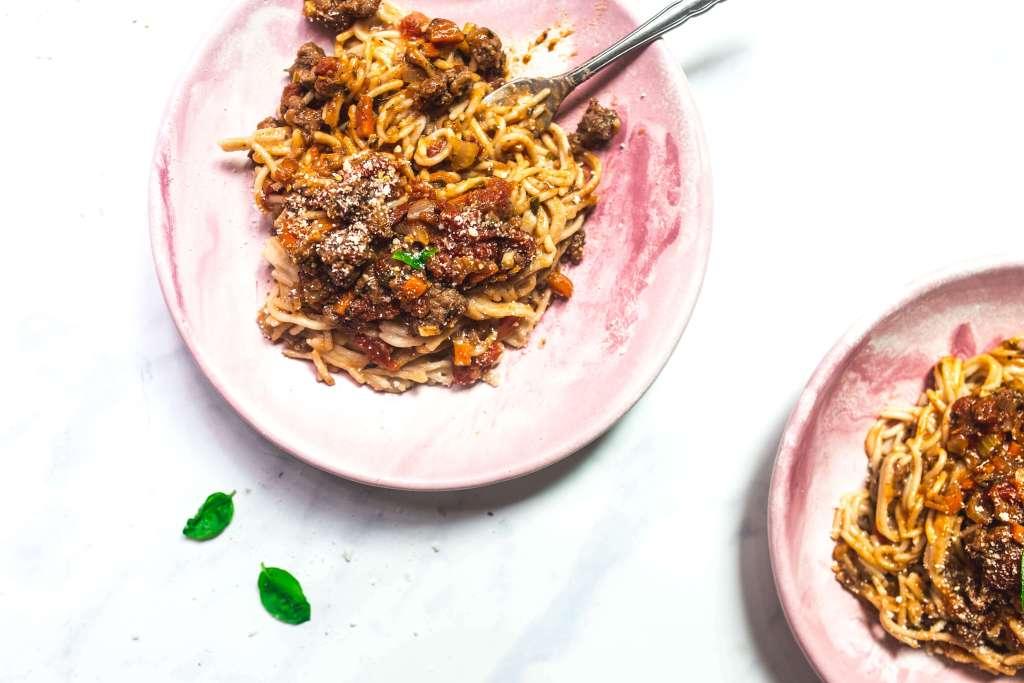 easy bolognese sauce via Food by Mars (paleo, Whole30)