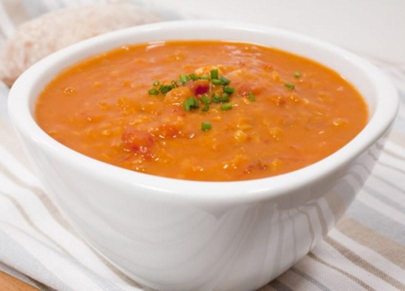 Supa crema din linte rosie