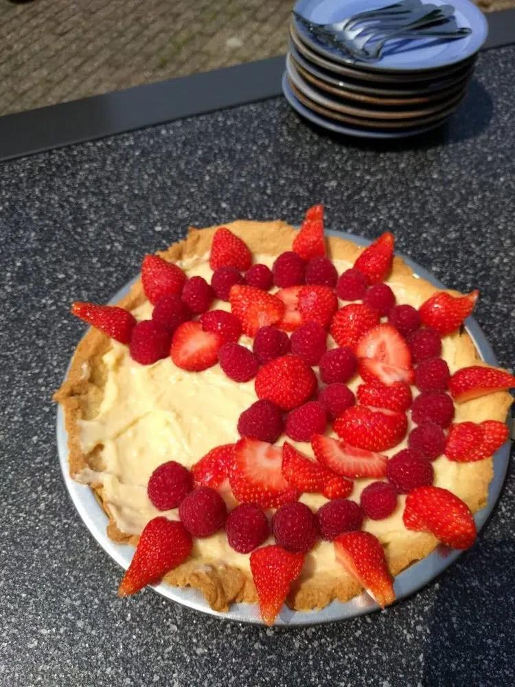 little pieces of strawberry raspberry creme patissier pie