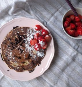 egg less pancake with strawberries