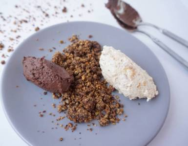 chocolate and peanut butter ice cream with pistachio crumb sm