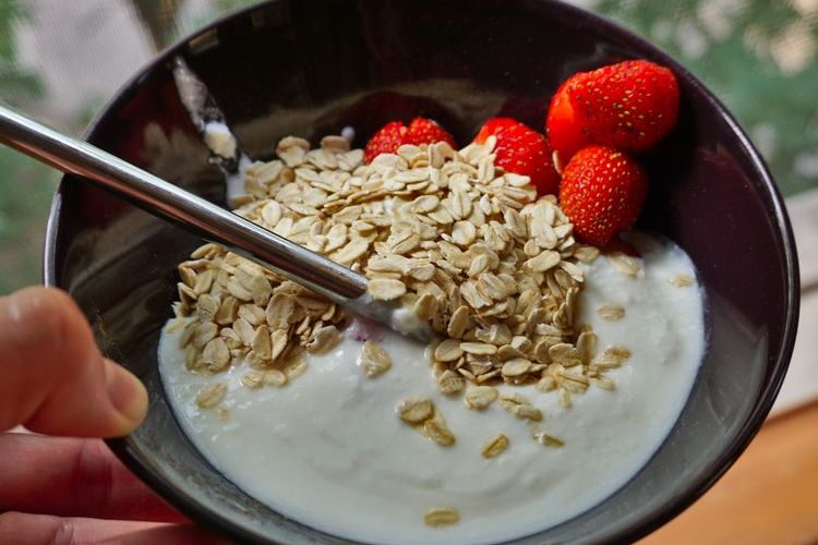 homemade yogurt with strawberries and oats