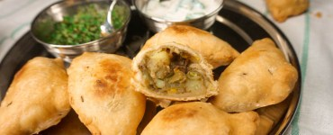 potato and green bean samosas with mint chutny and raita