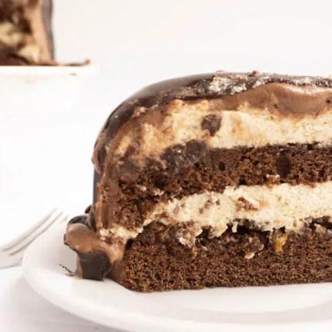 side view of piece of torta setteveli