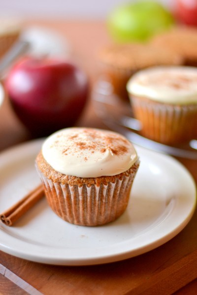 whole-wheat-applesauce-cupcakes-1