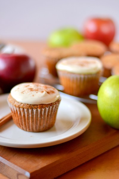 whole-wheat-applesauce-cupcakes-4
