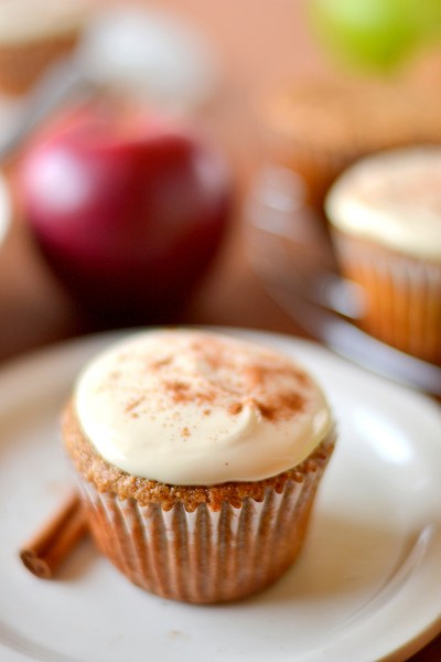 whole-wheat-applesauce-cupcakes-5