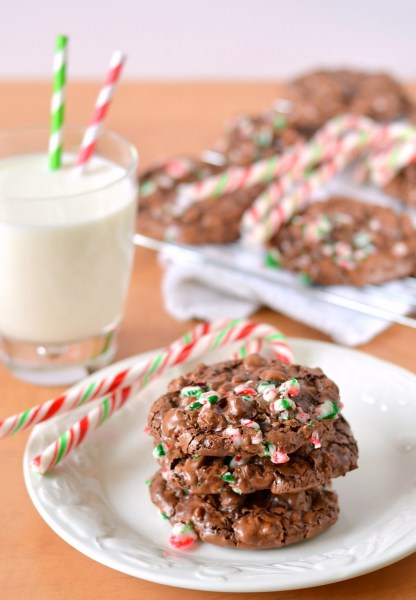 peppermint-chocolate-puddle-cookies-5