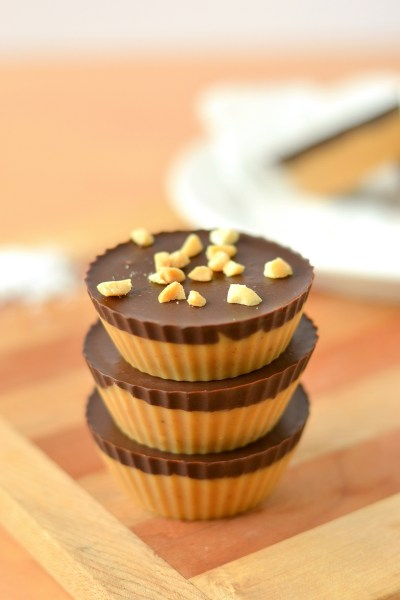 dark-chocolate-peanut-butter-freezer-fudge-cups-5