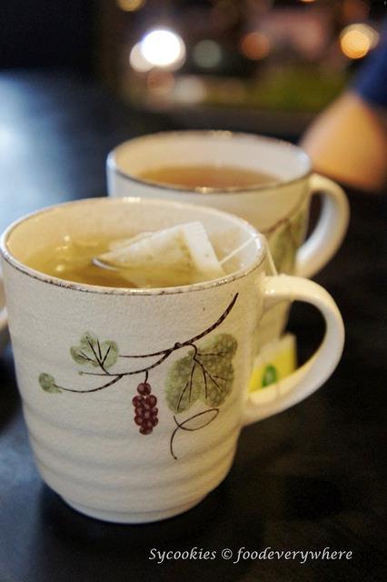 12.Oiso Korean Traditional Cuisine & Café