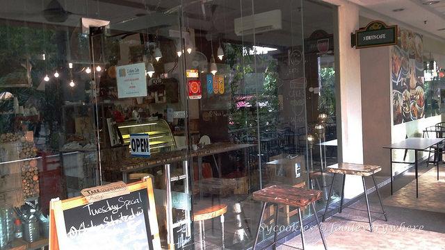 1.3 Idiots café at Plaza Mont Kiara