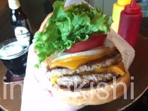 神田フレッシュネスバーガーハンバーガーチェーン店クラシックホットドッグギネスビール世界13