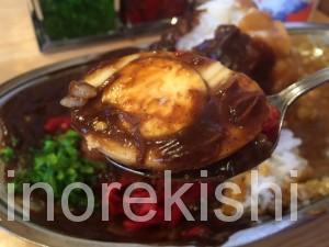 幡ヶ谷デカ盛りメガ盛りスパイスエッグ入りミックスカレー大盛りポークビーフチキン甘口中辛辛口美味しい16