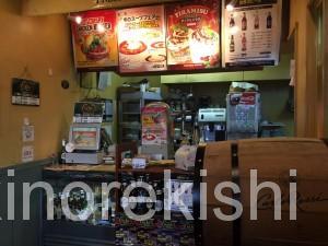 神田フレッシュネスバーガーハンバーガーチェーン店クラシックホットドッグギネスビール世界20