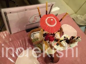 デカ盛りパフェの聖地カフェエストエストEst!Est!新宿ミロード東京ごはんパフェ横綱人気有名メガ盛りスイーツ36