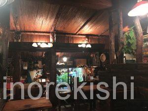 神保町朝食さぼうるモーニングセット生いちごジュースバターロールサラダアルコール半熟卵有名人気オシャレカフェ喫茶店チェーン店アメリカンコーヒー22