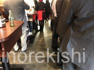 六本木肉グルメいきなりステーキ国産キロサ牧場サーロイン肉マイレージカード有名人気行列レア美味しい美味しくないリブロースヒレプラチナゴールドダイヤモンドランキング誕生日特典25