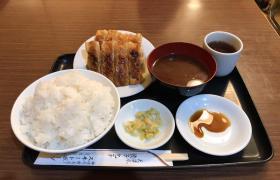 神田神保町餃子スヰートポーヅスイートポーズ定食メニュー大盛りデカ盛り進撃の歴史12