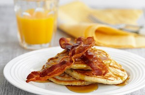 Pancakes-Maple-Syrup-&-bacon-foodlfag