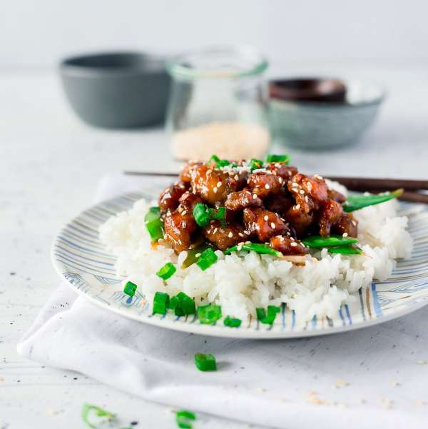 General Tso Chicken Recipe that's healthier and takes only 30 minutes to make!