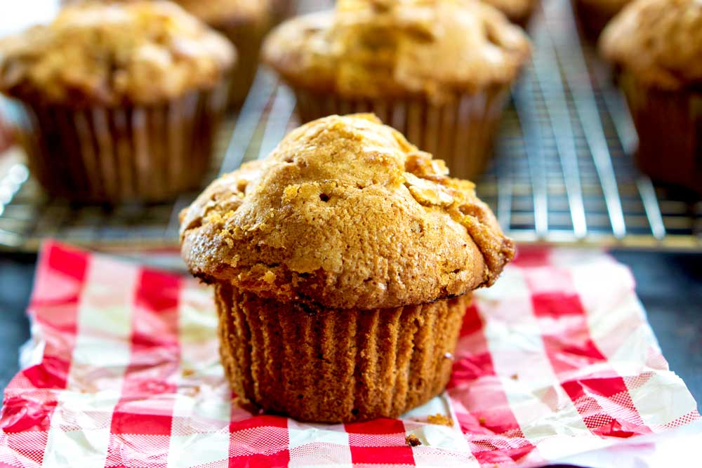 A simple apple muffin recipe for Fall!