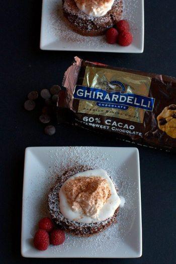 Soft-Centered_Fudge_Cakes