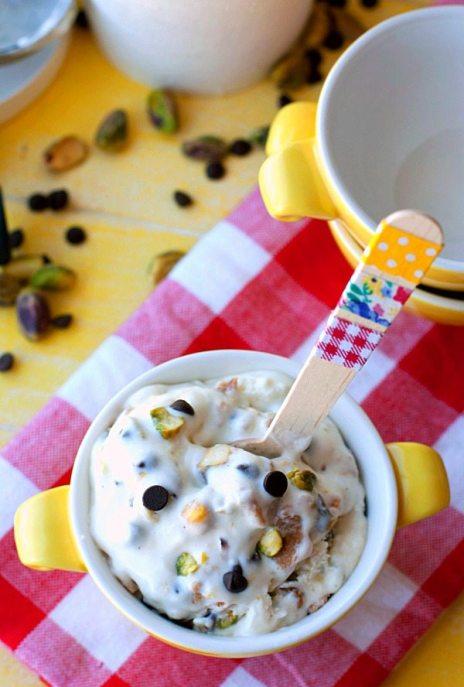 Overhead shot of cannoli ice cream in a bowl.