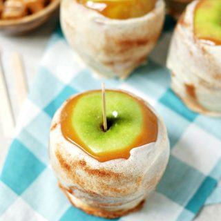 Easy Copycat Disney Apple Pie Caramel Apples recipe